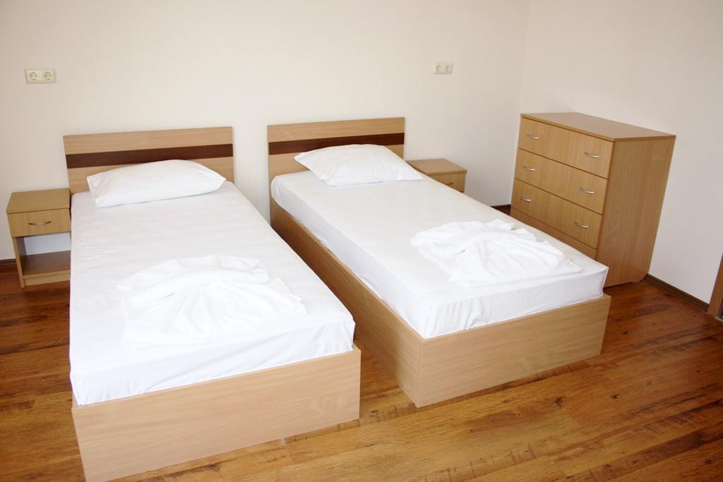 Кімната2. Літній табір в Болгарії (Ахелой)